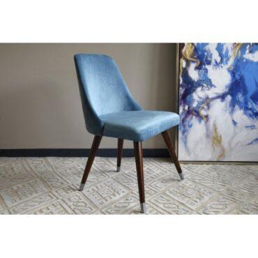 Sinised söögilaua toolid . -0