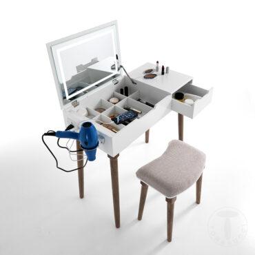 Meigilaud ja tool-0